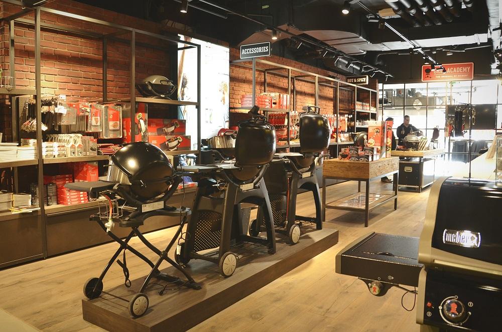 Weber opent eerste nederlandse winkel in amer propertynl for Weber grill berlin